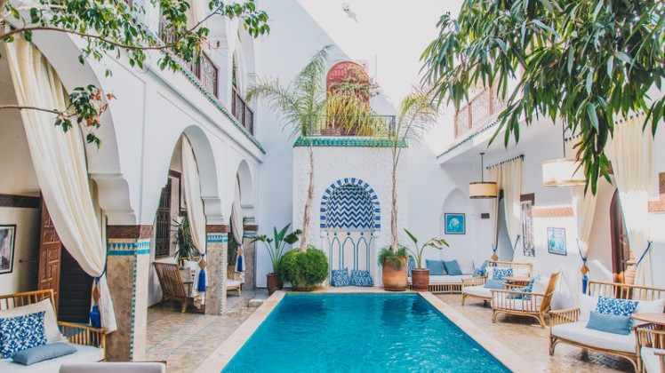 Intrepid-Travel-Morocco-Marrakech-hotel-pool-1604