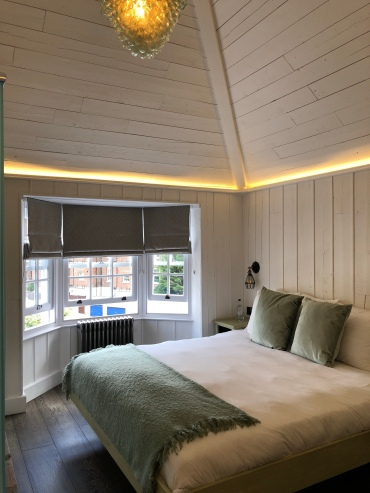 Light and airy room #6, Beckett's Southsea.
